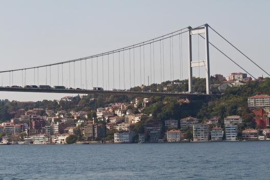04_IMG_1622_sous le pont_P