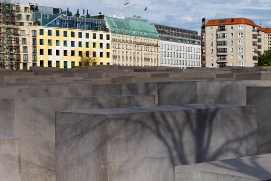02_IMG_6822_Holocaust memorial