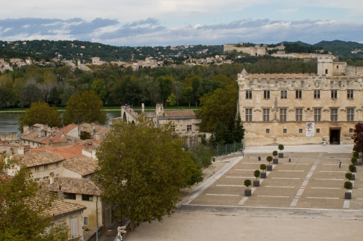 01_IMG_6980_Avignon_Place du Palais