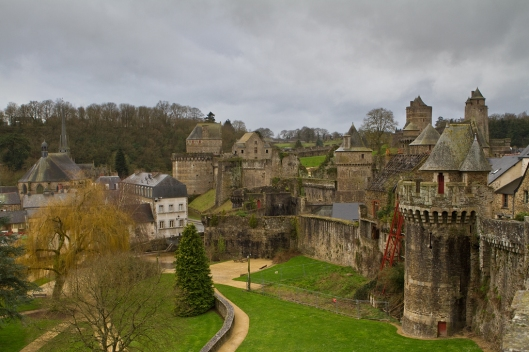 01_IMG_3919_Fougeres