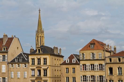 03_IMG_7133_Metz_vue de la rue d'estrees_Place de Chambre