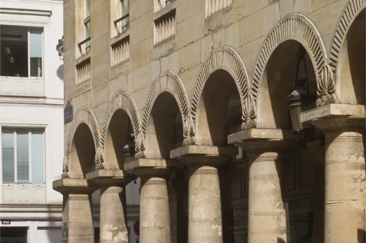03_IMG_8383_rue des colonnes
