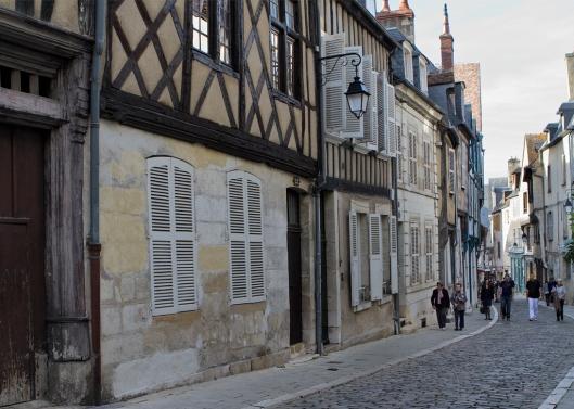 03_IMG_8470_Bourges_Rue Bourbonneux