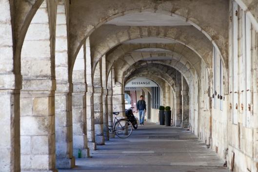 03_IMG_8529__La Rochelle_rue chef de ville